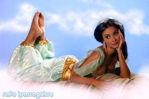Maricielo Effio Feet