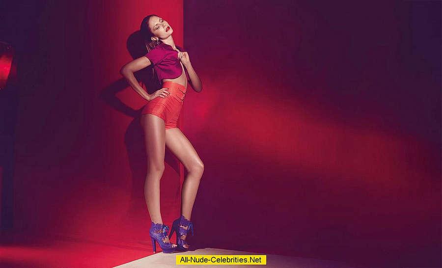 Ana Claudia Michels Feet
