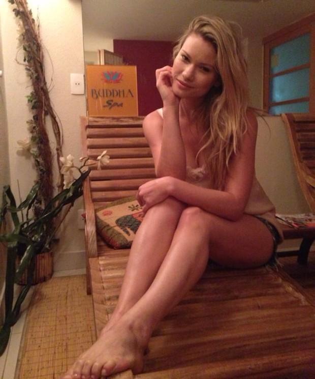Karen Junqueira Feet