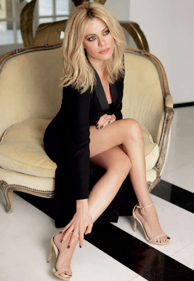Zeta Makrypoulia Feet