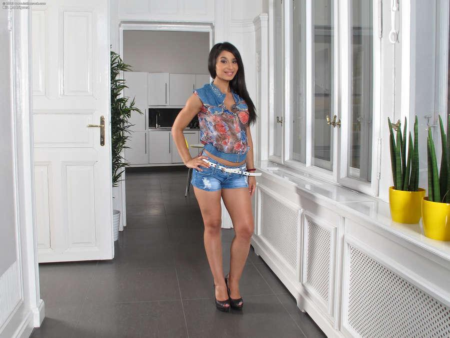 Ria Rodriguez Feet