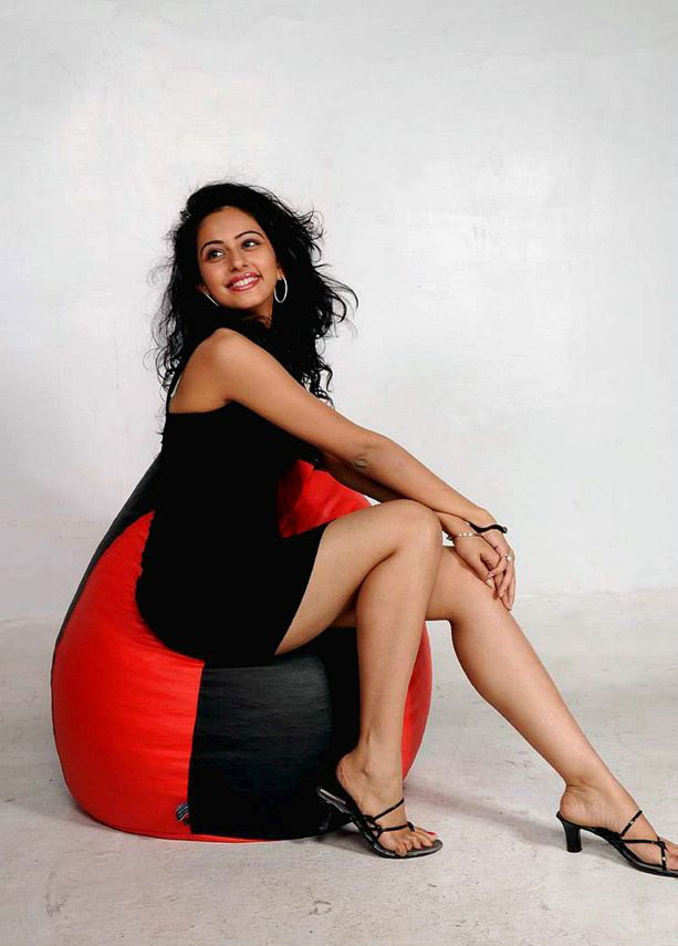 Rakul Preet Singh Feet
