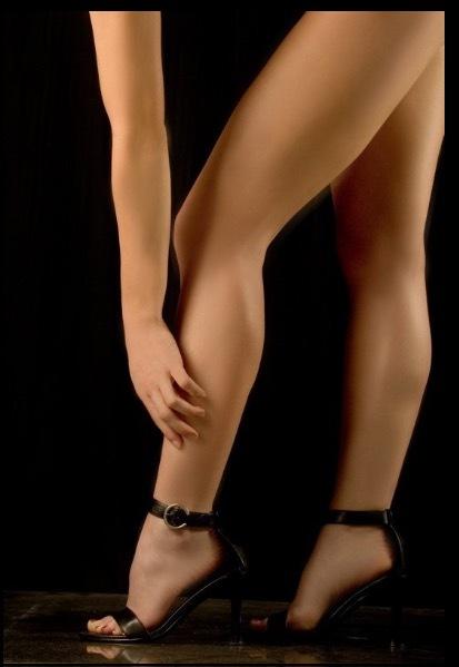 Nikki Tomlinson Feet