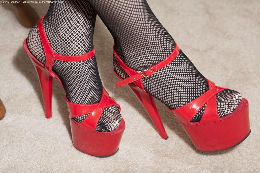 Lola Lee Feet