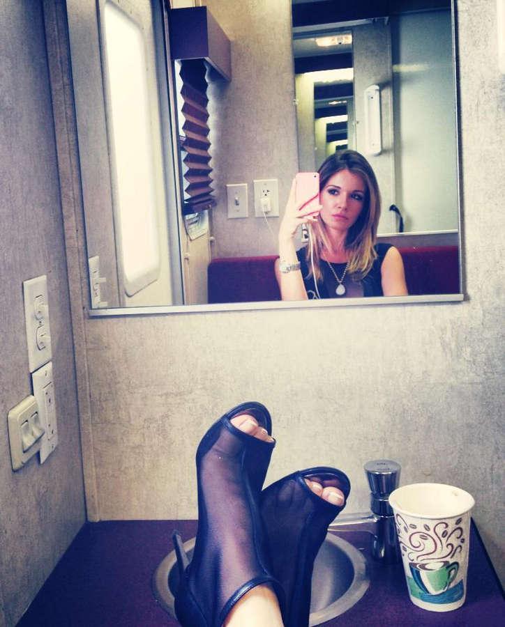 Sabrina Machado Feet