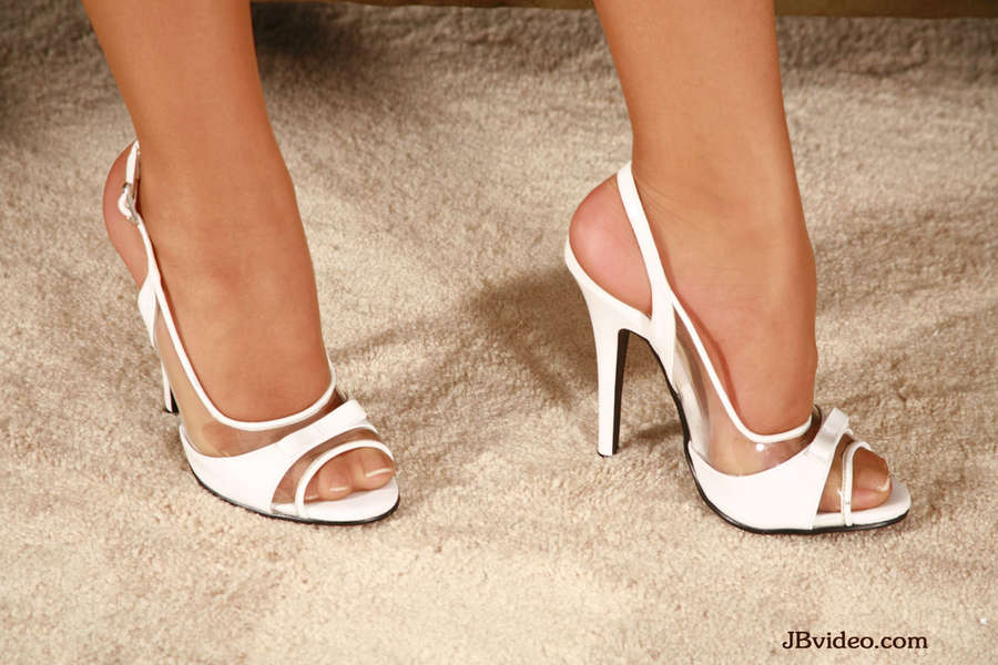 Jennifer Luv Feet