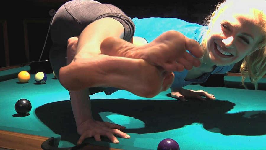 Heidi Kristoffer Feet