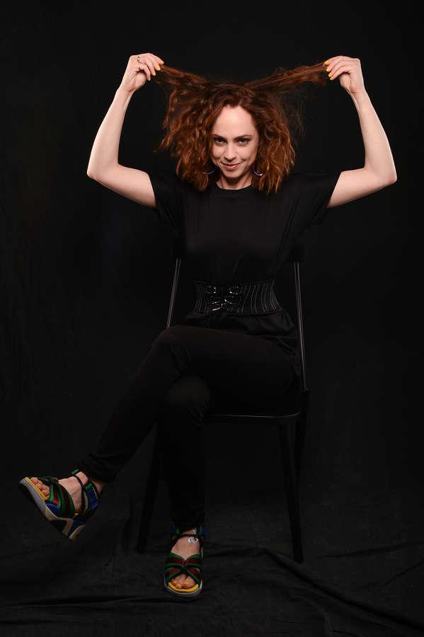 Fiona Dourif Feet