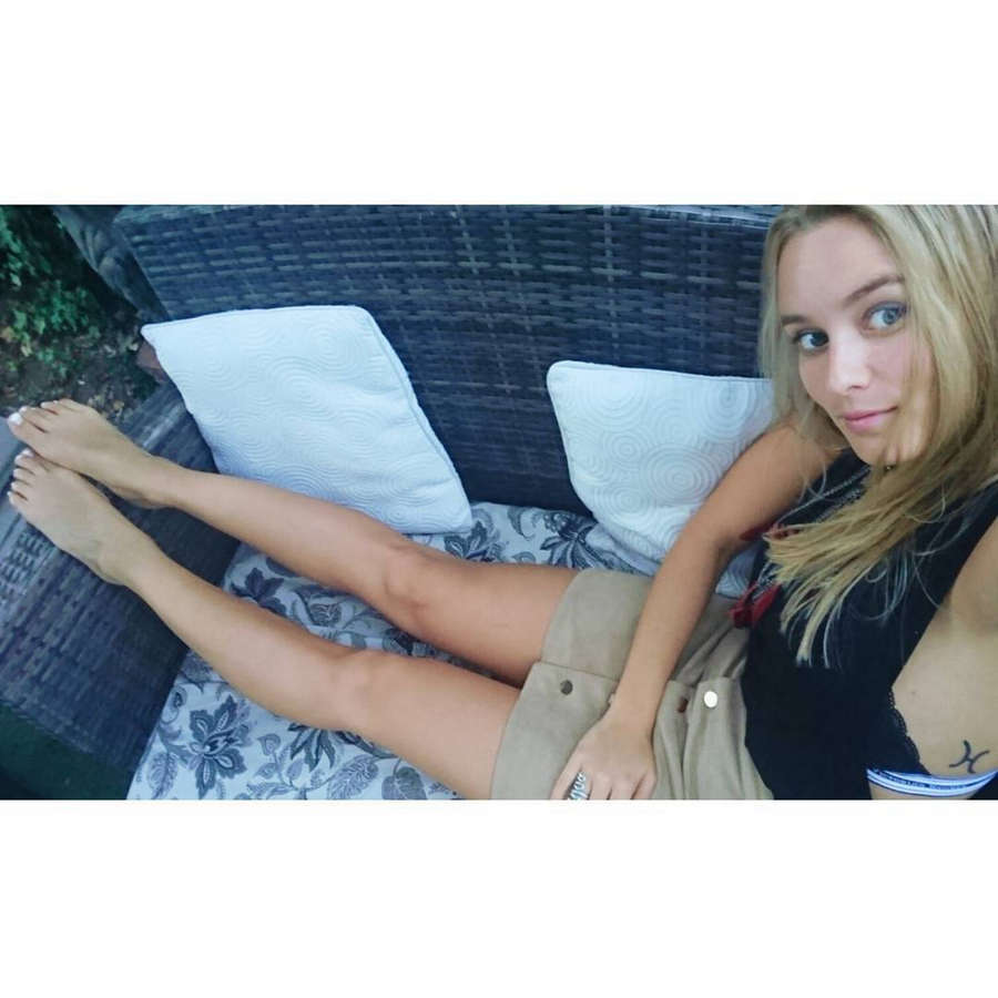 Kika Silva Feet