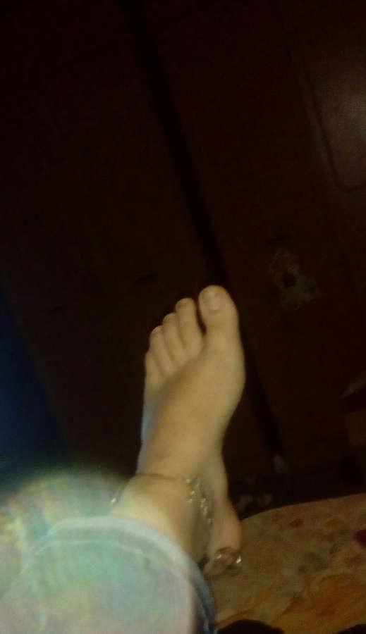Karina Feet