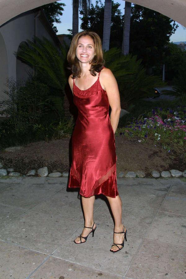 Amy Brenneman Feet