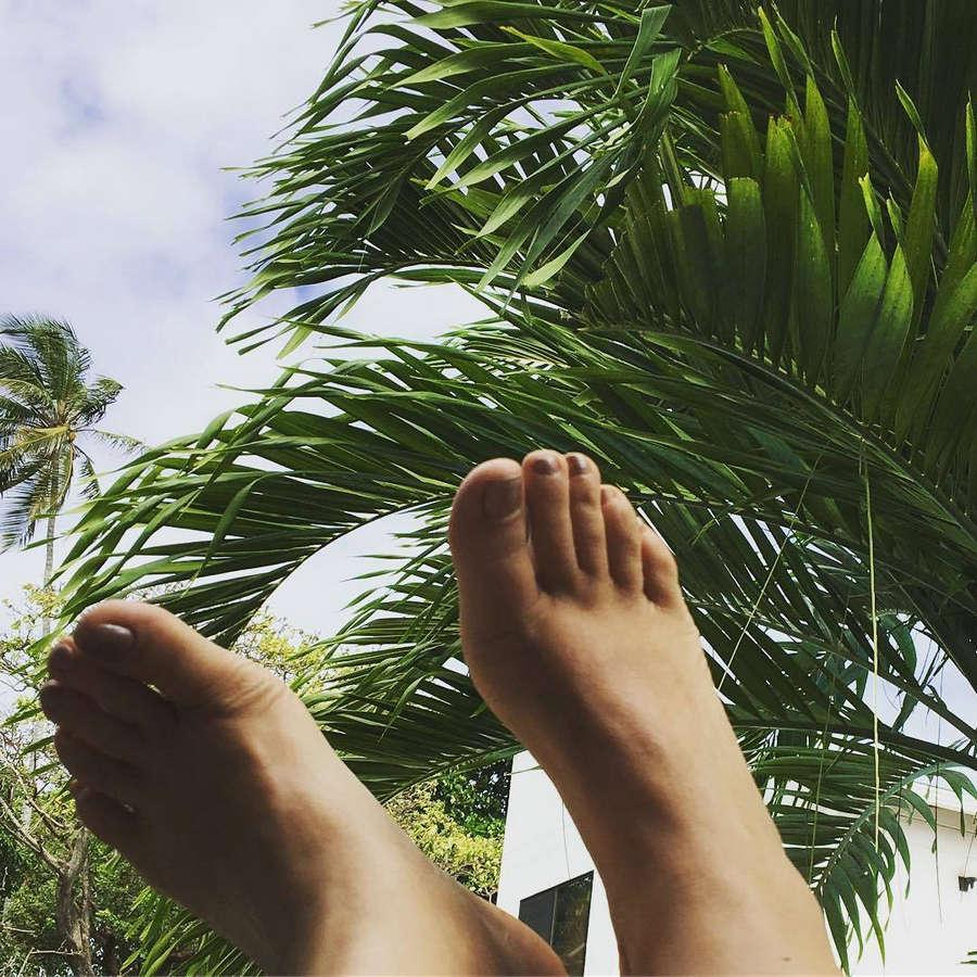 Debora Vilalba Feet