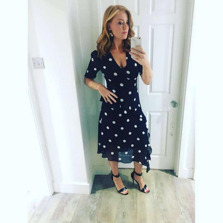 Sarah Jane Mee Feet