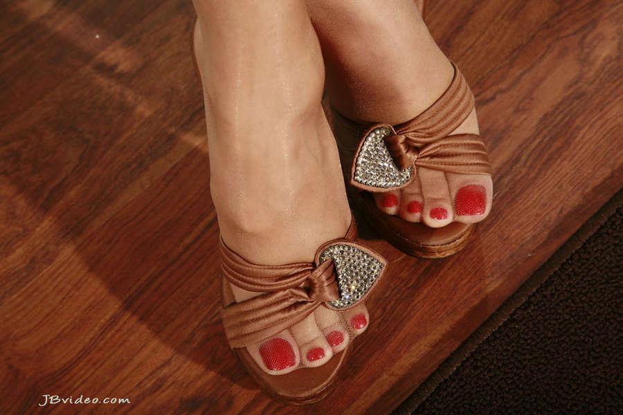 Sunny Leone Feet