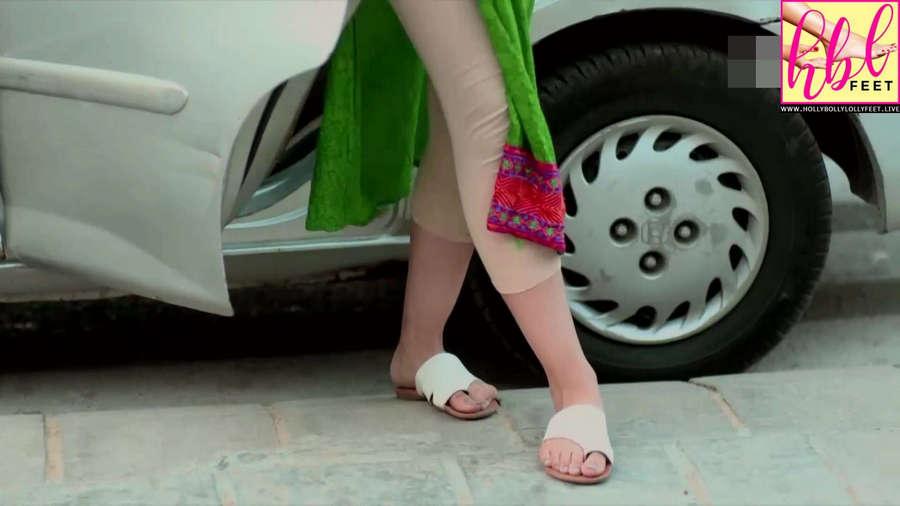 Ushna Shah Feet