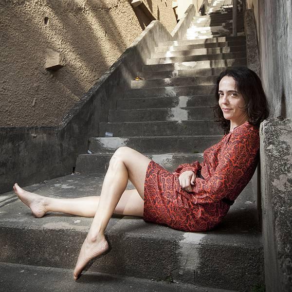 Silvia Buarque Feet