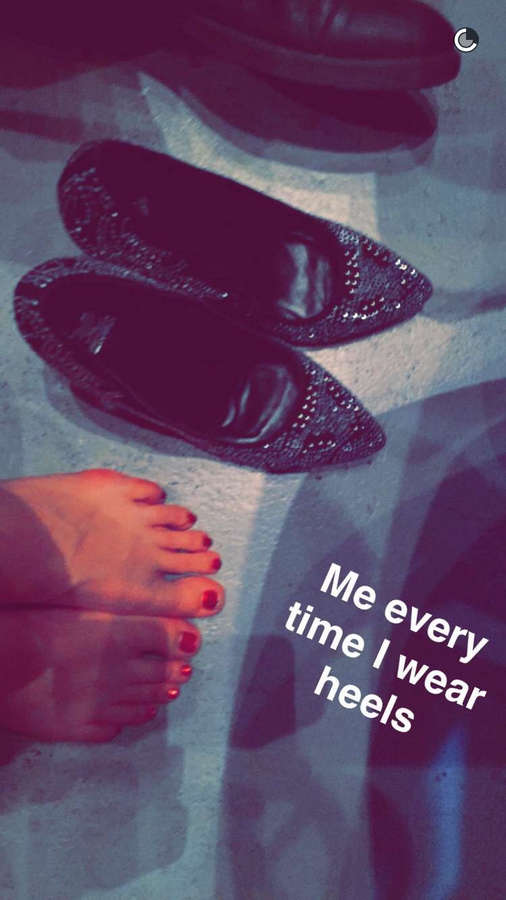 Colleen Ballinger Feet