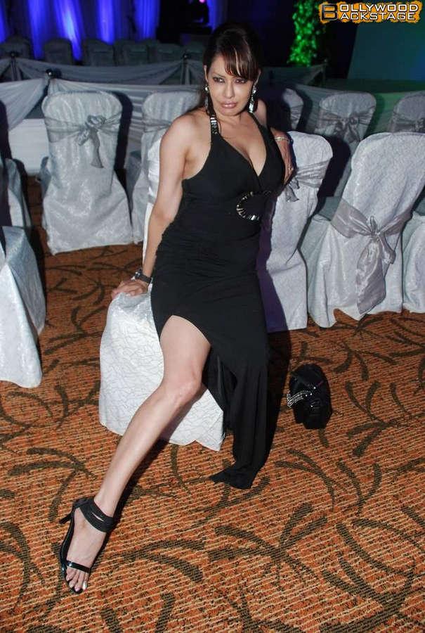 Poonam Jhawer Feet