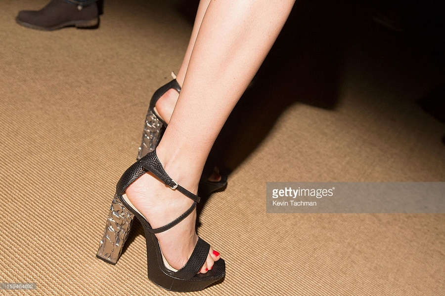 Hanneli Mustaparta Feet