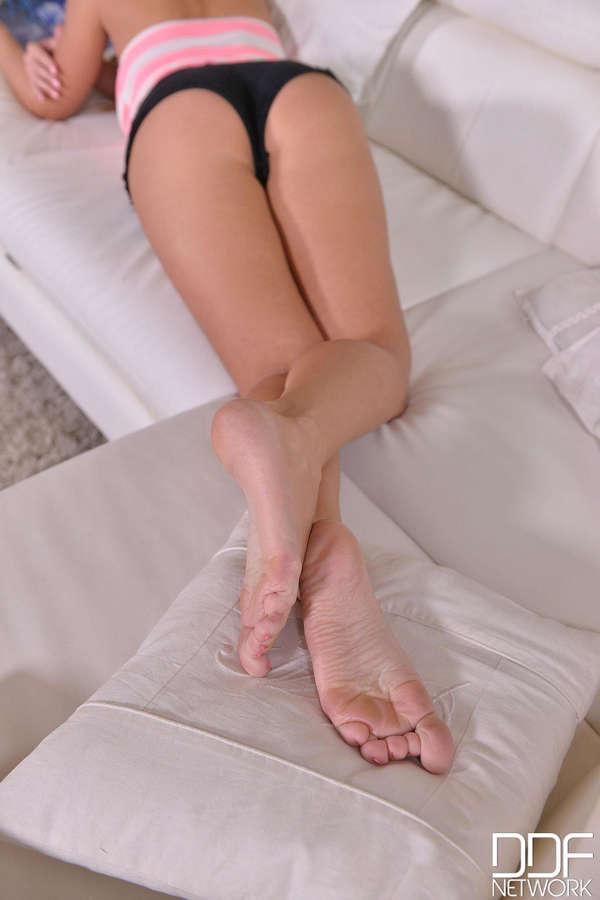 Katarina Muti Feet