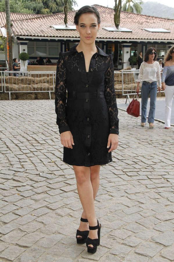 Adriana Birolli Feet
