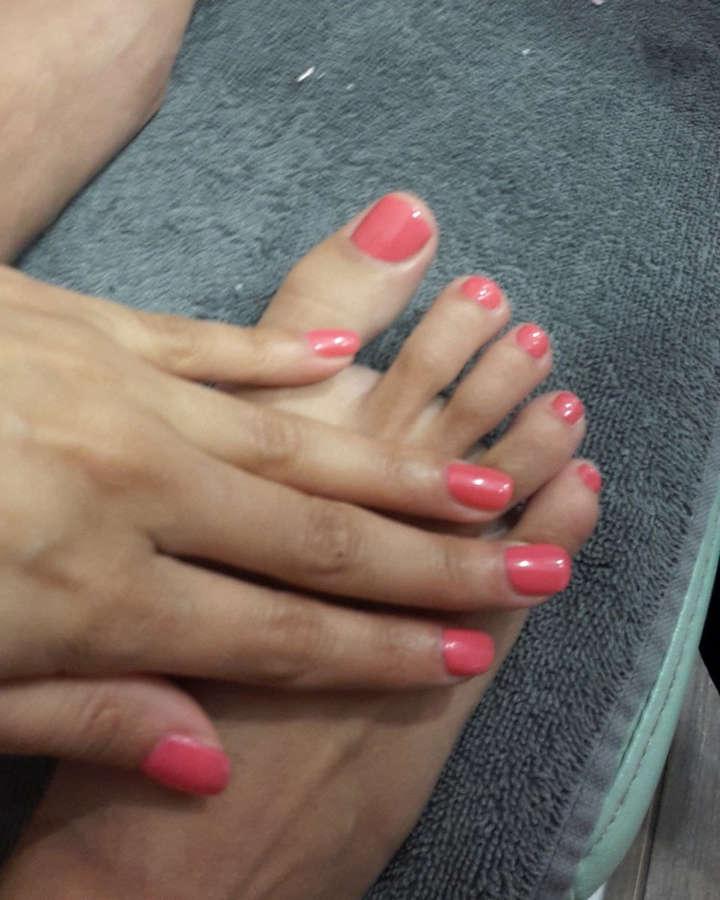 Anissa Kate Feet