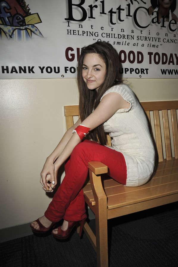Brittany Curran Feet