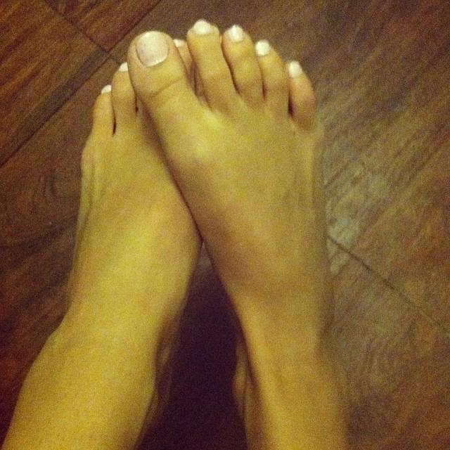 Abigail Mac Feet