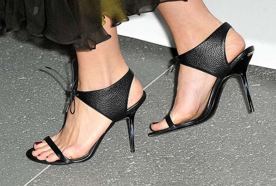 Leigh Lezark Feet