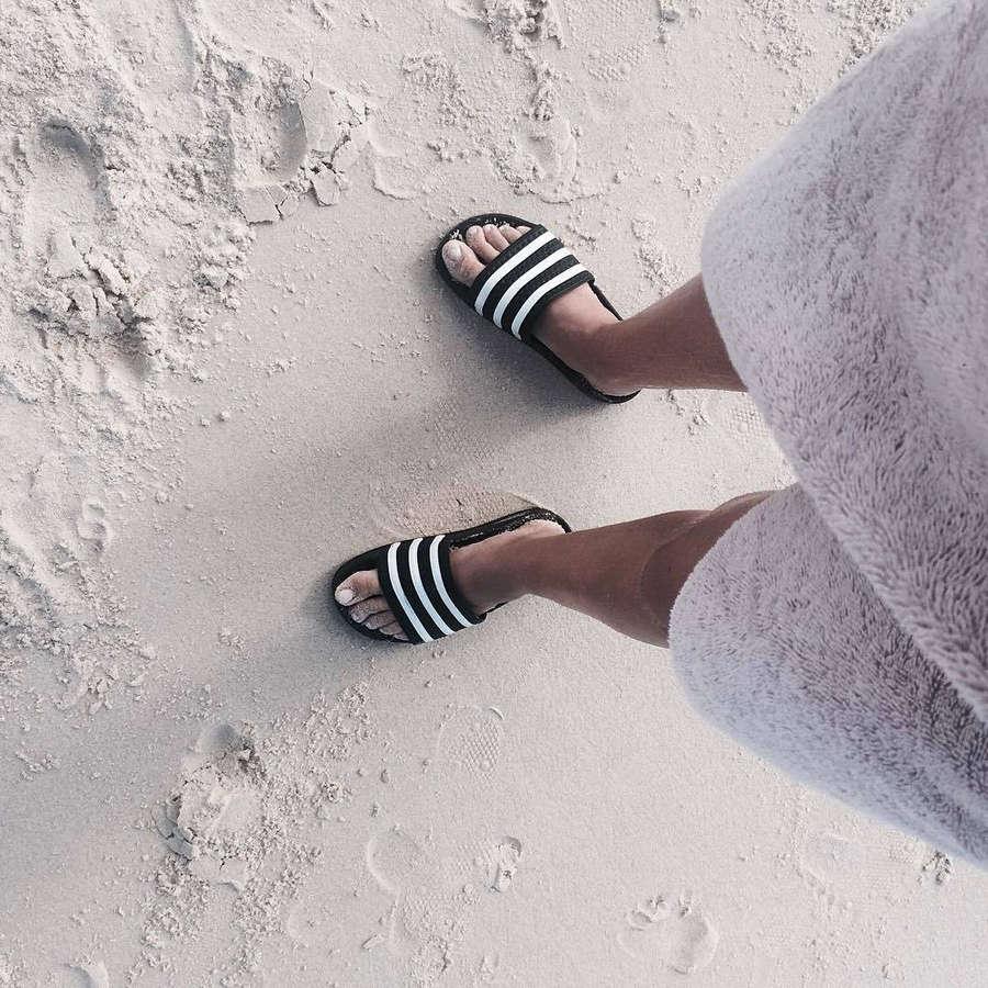 Zoe Cross Feet