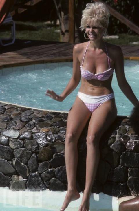 hollywood actress boob