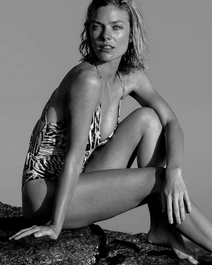 Laura Laprida Feet