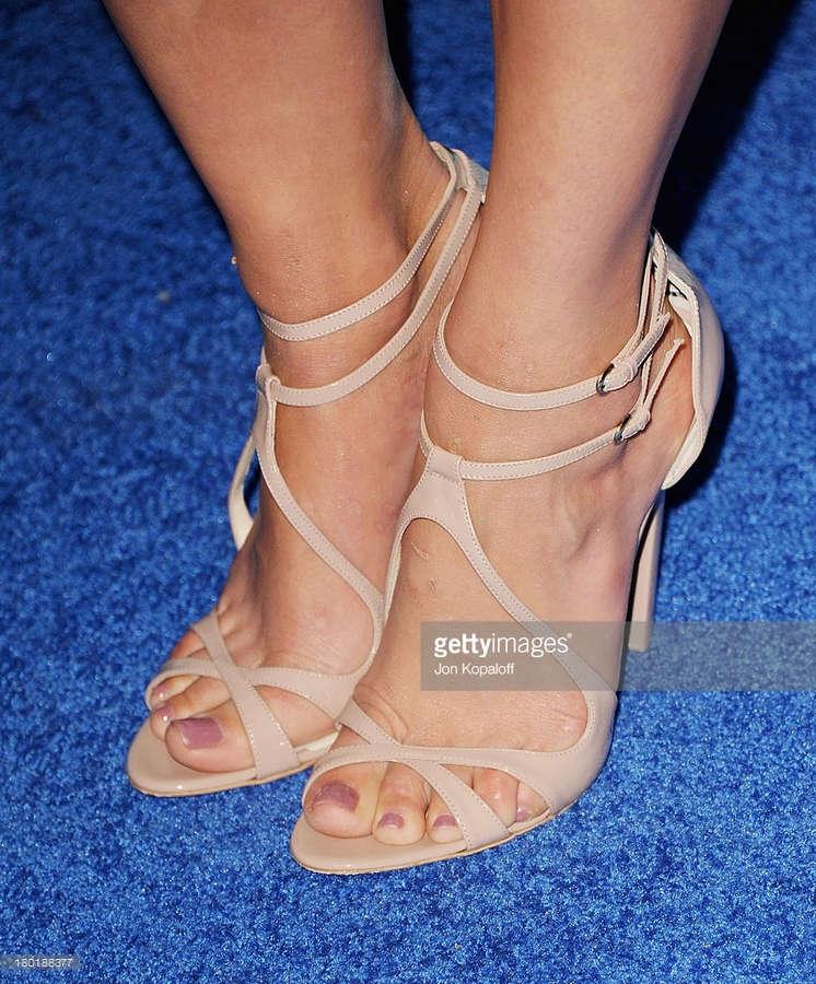 Michaela Conlin Feet