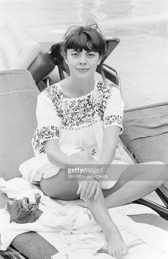 Mireille Mathieu Feet