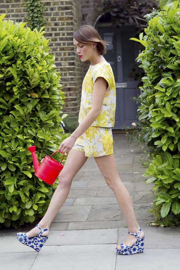 Ella Catliff Feet