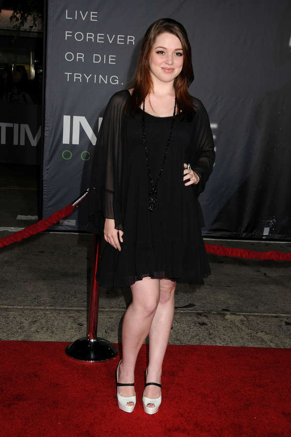 Jennifer Stone Feet