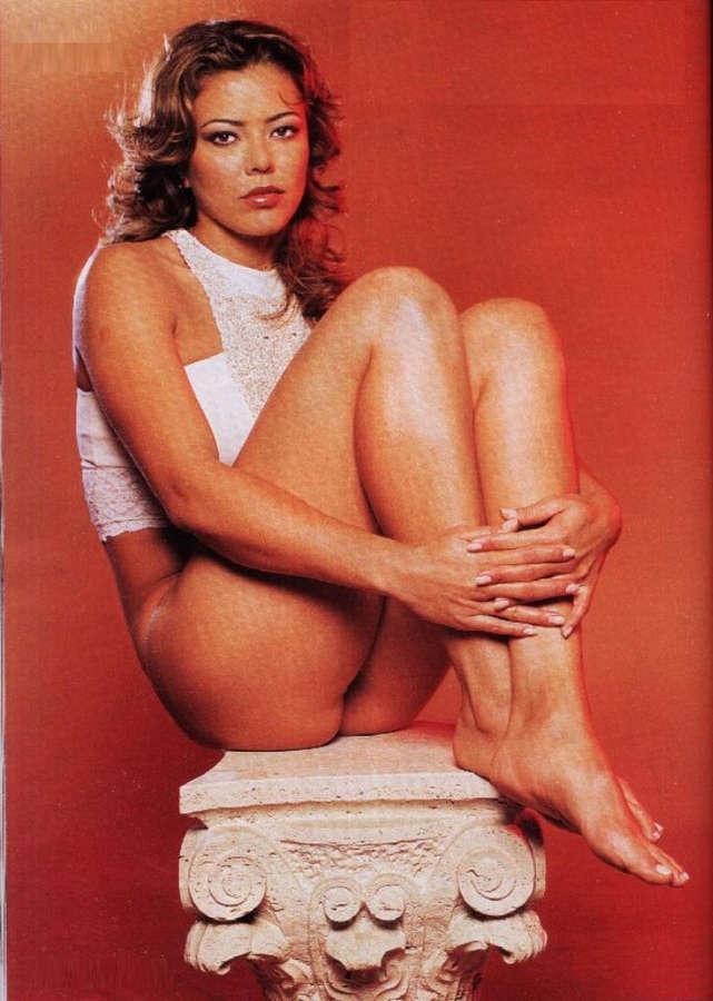 Leila Barros Feet