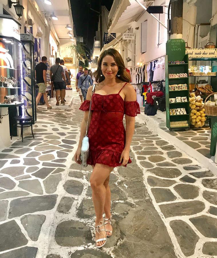 Laura Posada Feet