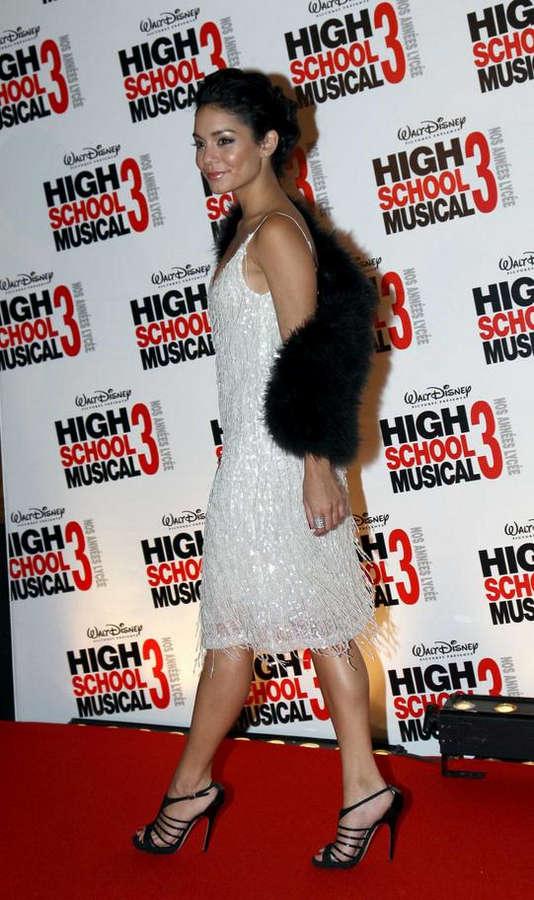 Vanessa Hudgens Feet