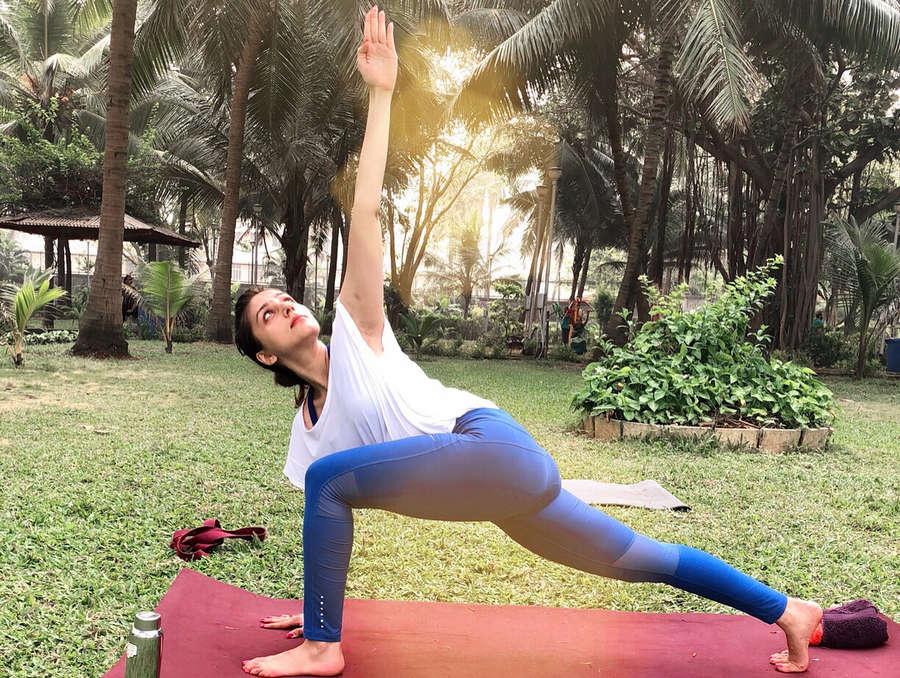 Aarti Chhabria Feet