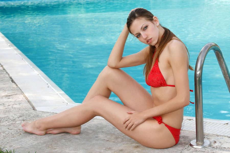 Melanie chisholm nude fakes