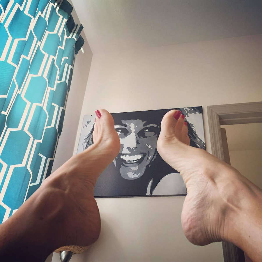 Anita Dark Feet