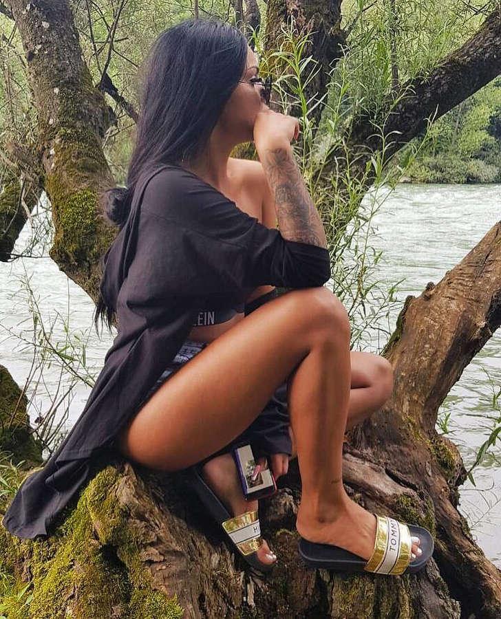 Ramona Beganovic Feet