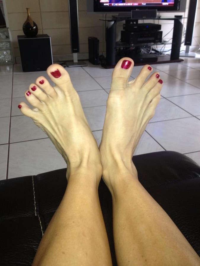 Milf Nikki Feet