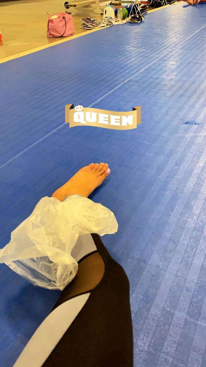 Valerie Loureda Feet