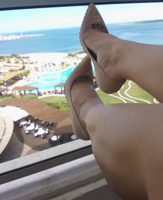 Victoria Onetto Feet