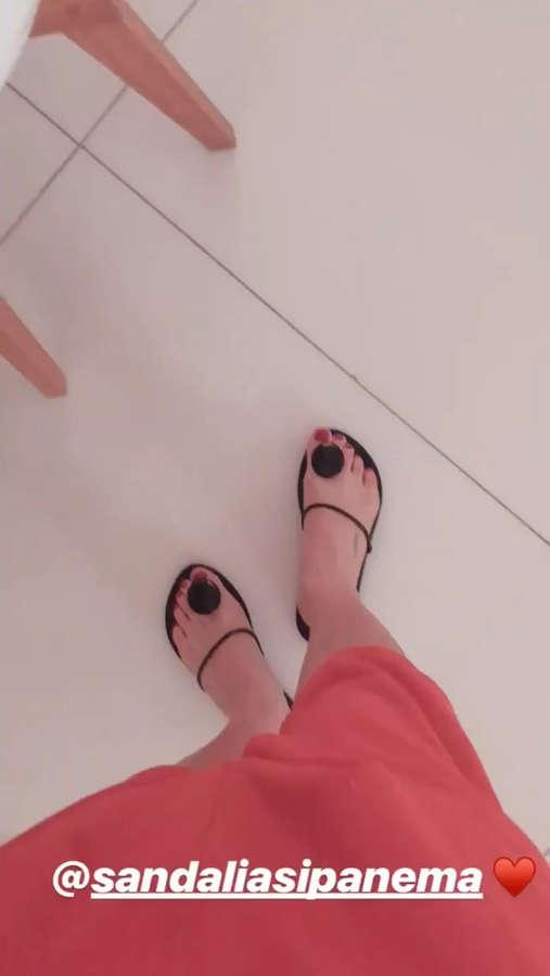 Claudia Leitte Feet