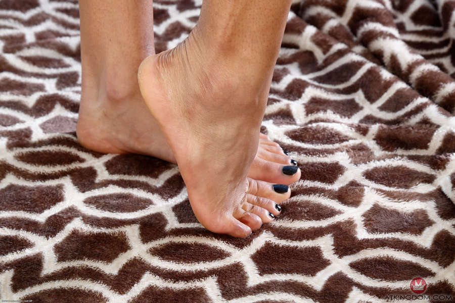 Nikki Darling Feet
