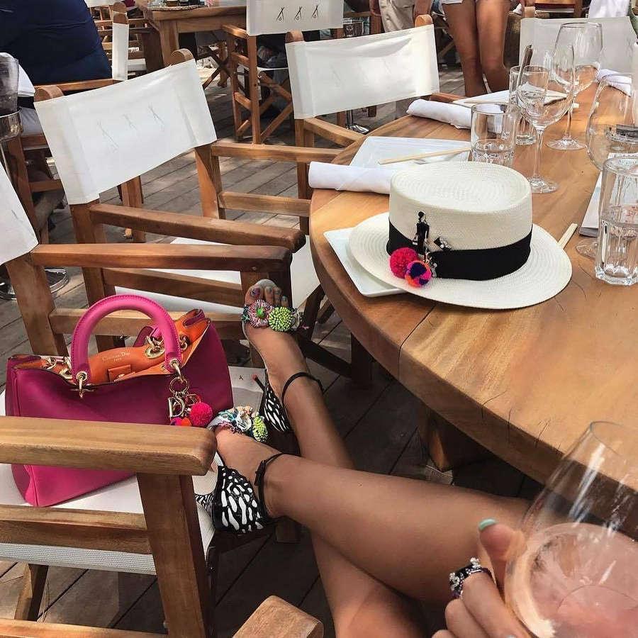 Diana Laura Feet