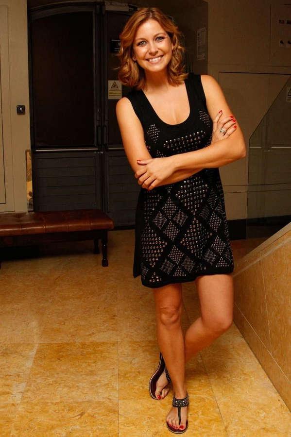 Vanessa Oliveira Feet